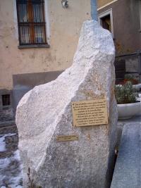 monumento02